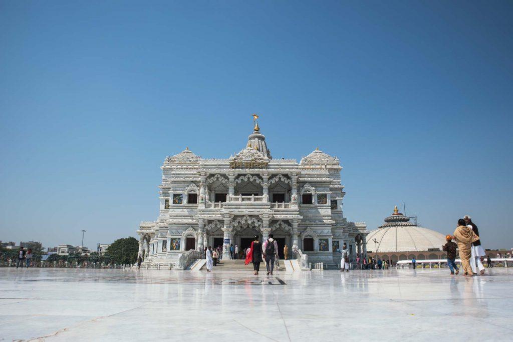 Templo en Holy fest en Vrindavan
