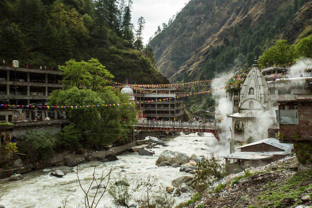 Aguas termales en Manikaran